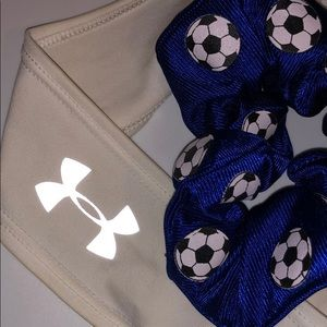 Under Armour Accessories - UA headband + soccer scrunchie